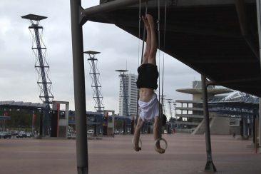 handstand99