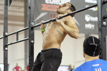 chest-to-bar-pull-ups