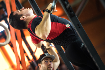 Crossfit-guy-chest-to-bar-pull-up-800×419